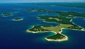 Группа островов Бриуны
