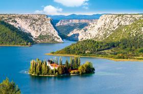 Монастырь Висовац на одноименном острове